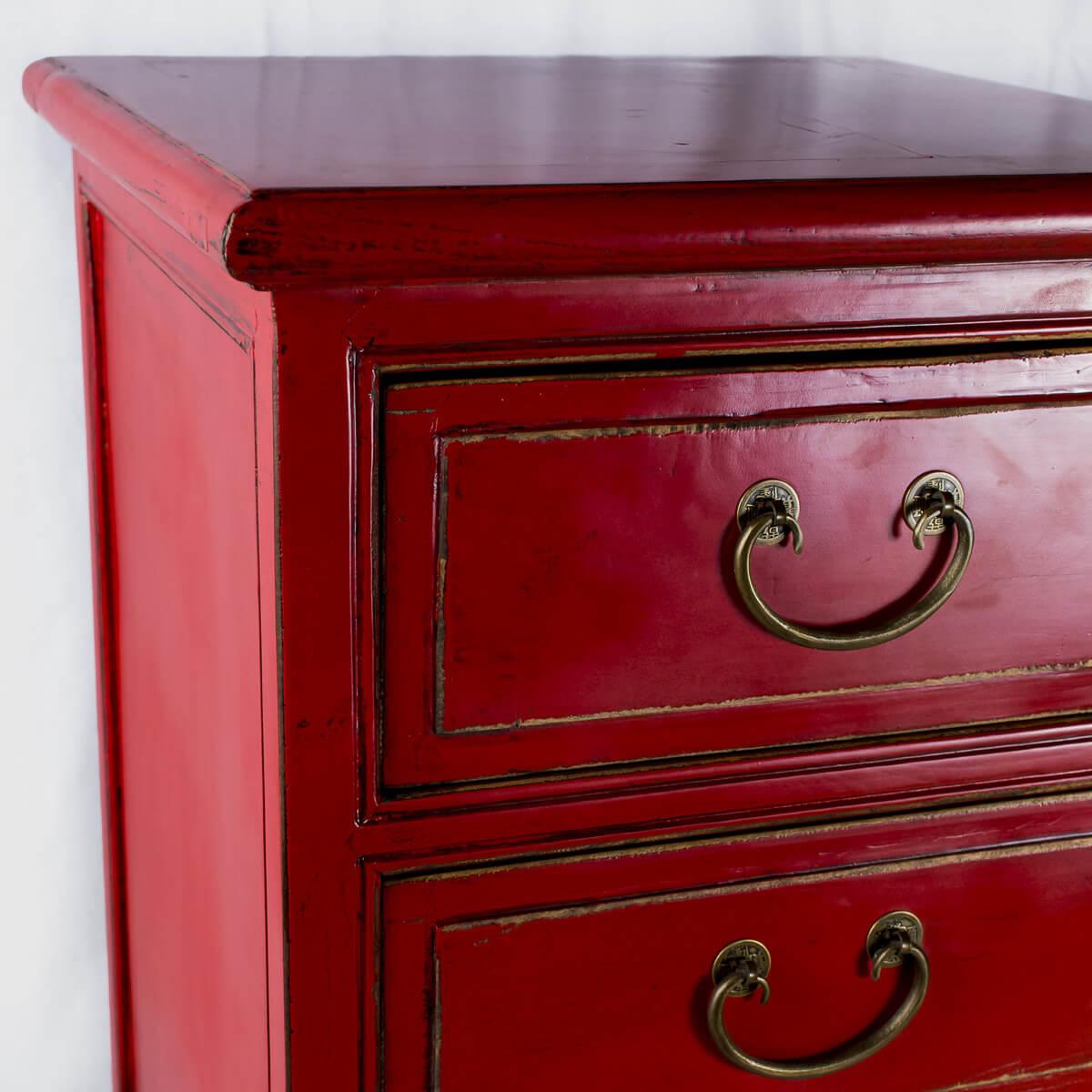 Cassettiera rossa laccata
