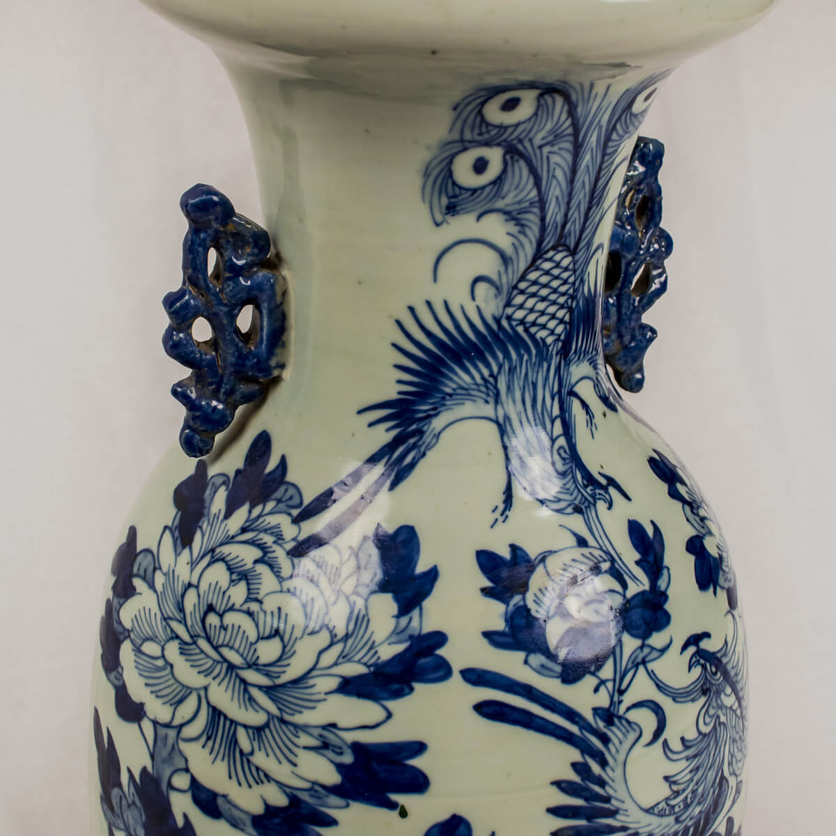 Vaso bianco blu con fenice
