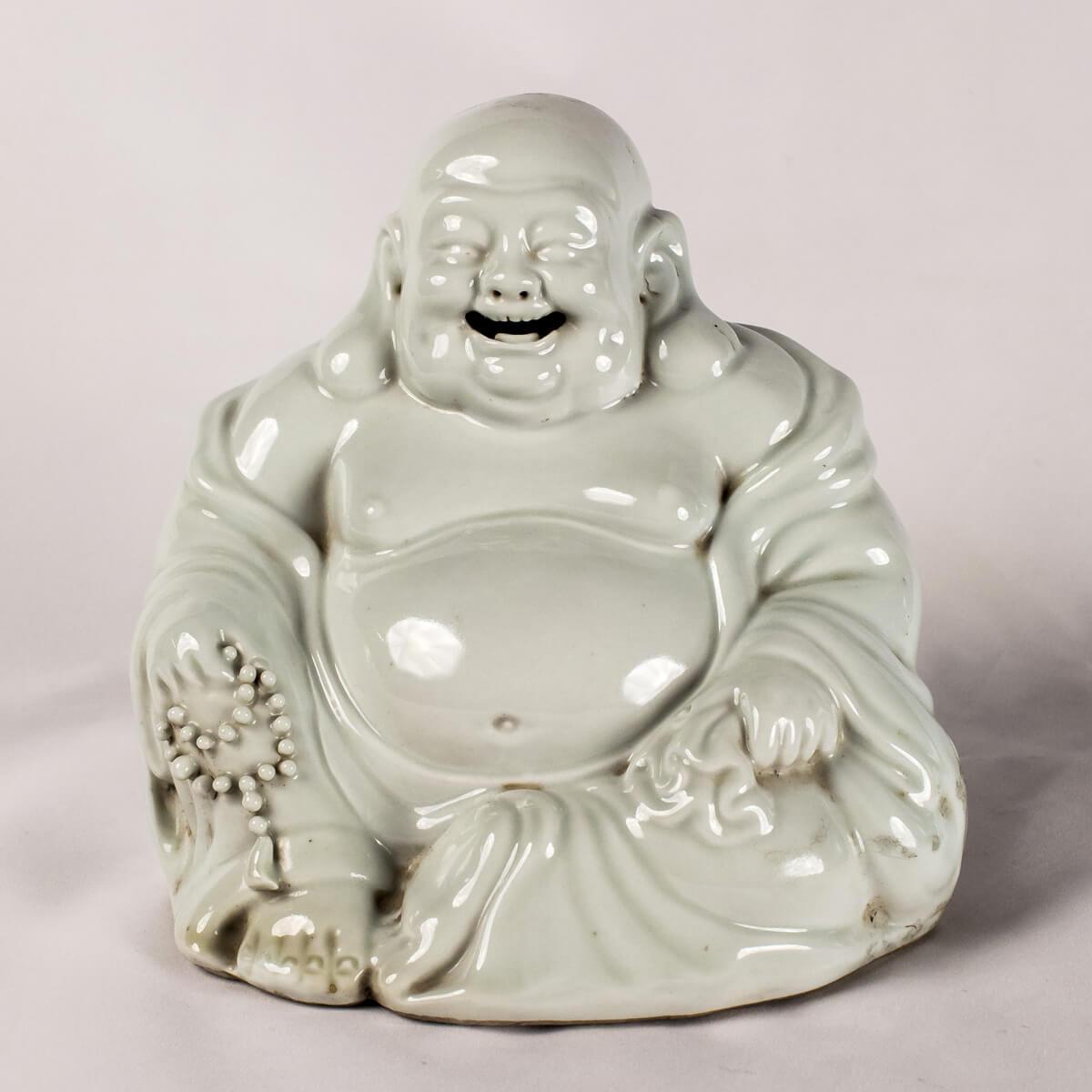 Buddha seduto bianco
