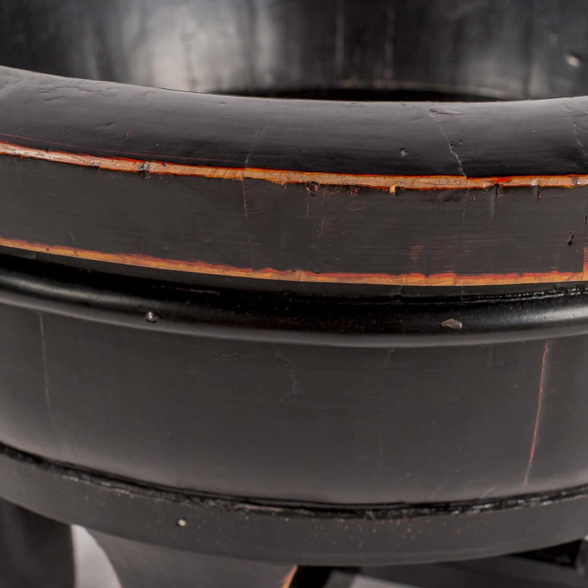 Braciere in legno nero